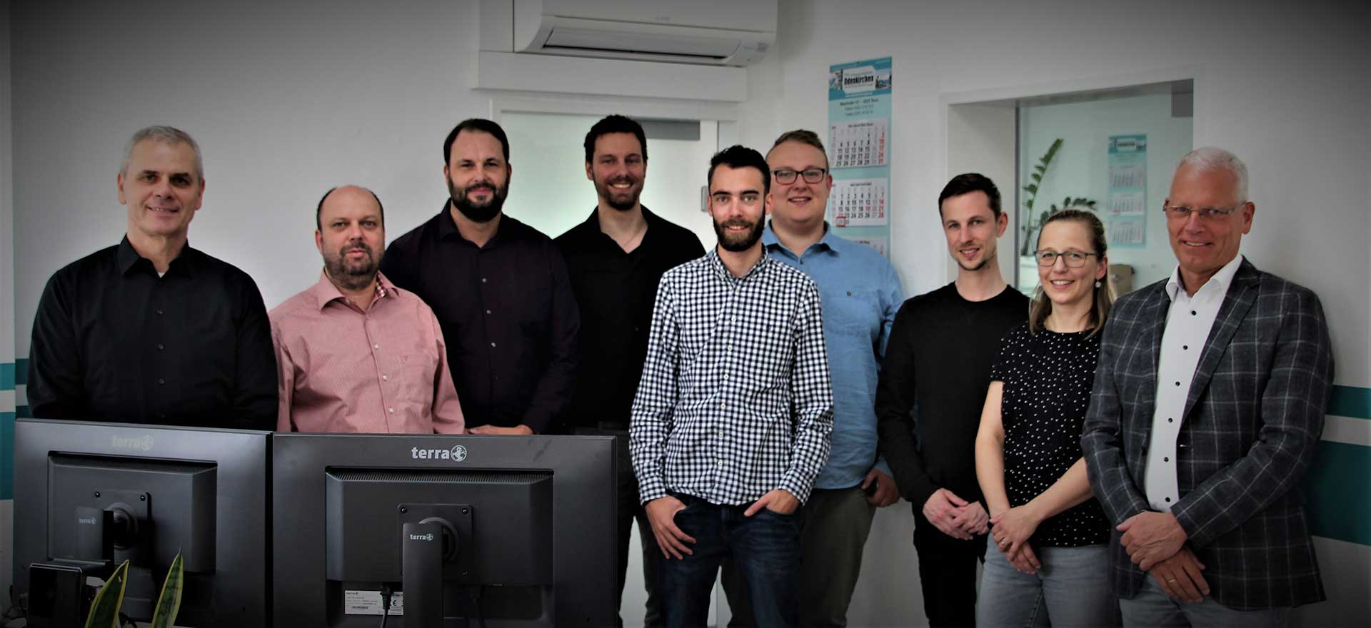 Das Team von Glas Odenkirchen im Büro